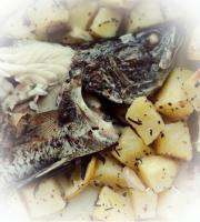 Риба смажена з лимоном та бульбою