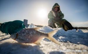 Наша перша зимова рибалка, або не такий страшний хруст як про нього кажуть