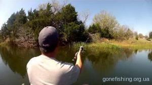 Рибалка у квітні